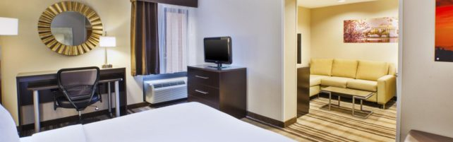 holiday-inn-sterling-4952826552-16×5