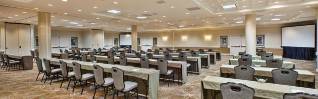 holiday-inn-sterling-4952857683-16×5